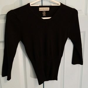 Form fitted midriff babydoll v neck sweater